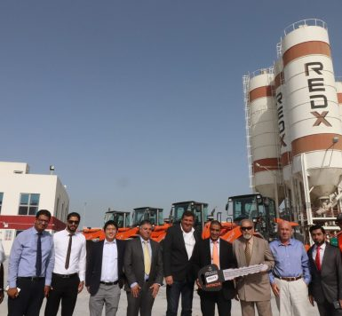 Kanoo Machinery Delivers State Of The Art Hitachi Wheel Loaders To Redx Industries